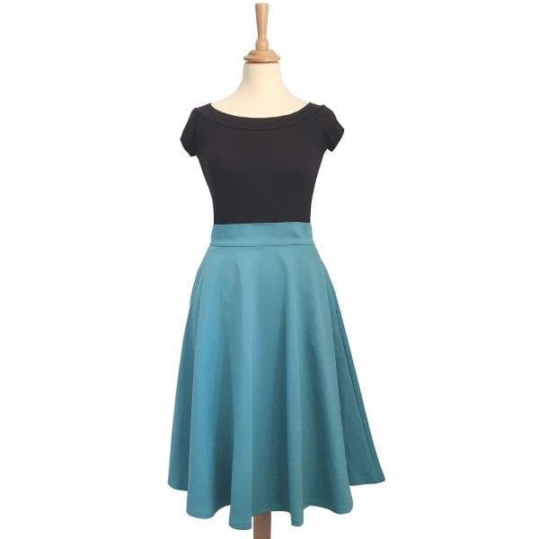 Retrolocious Retro svart båtringad 50-tals topp och charlotte kjol