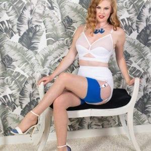 WHAT KATIE DID Liz vit strumpebandshållare återbrukat material hållbart mode